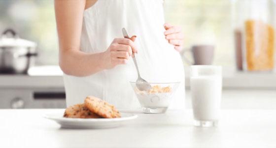 Quels produits laitiers consommer pendant la grossesse ? La réponse est ici…