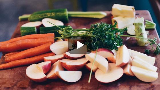 Les fibres des fruits et légumes rassasient mieux que les gâteaux !