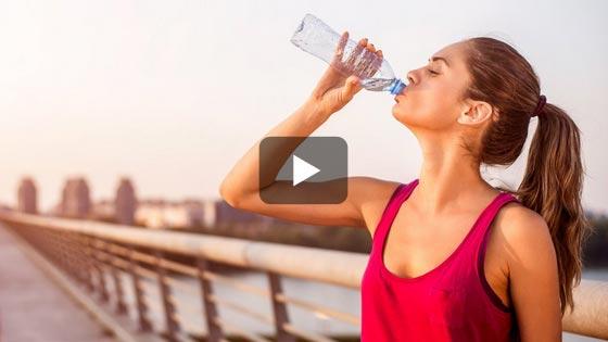 Et si les boissons énergétiques c'était juste de l'eau, du sucre et…